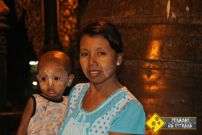 Povo Birmanês em Yangon - Myanmar. Foto: CFR / Blog Pegadas na Estrada
