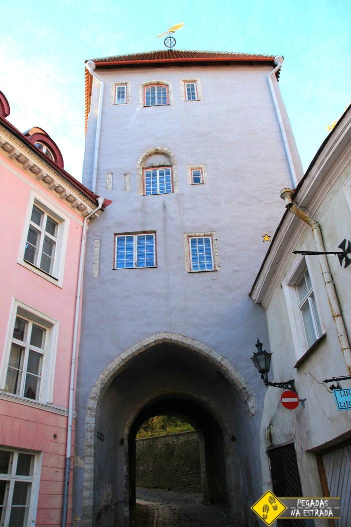 Rua Pikk jalg, Tallinn. Foto: CFR / Blog Pegadas na Estrada